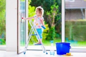 mytí výloh, odstraňování fólií a polepů