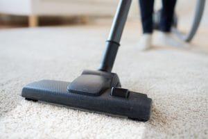 Jak oživit starý koberec