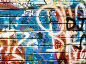 Kdo odstraní graffiti v Praze?