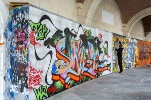 odstranění graffiti z fasády Brno