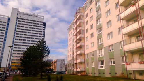 Čištění zateplené fasády Brno
