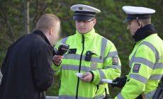 Flaška vodky a za volant: Řidič na Pardubicku nadýchal přes čtyři promile