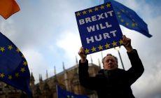 Účet za brexit bez dohody: 854 miliard ročně a ekonomika v recesi