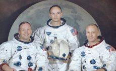 Konspirace kolem přistání na Měsíci bují, jednu ztrestal astronautův direkt