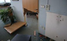Jako po výbuchu: Zloději vyrvali na Slovácku trezory ze stěny