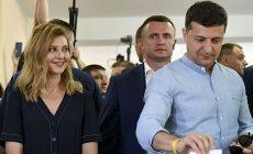 Zelenského tažení pokračuje. Ukrajinské volby podle průzkumů jasně ovládl Služebník lidu