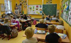 Školám přibyly tisíce asistentů. Pořád nestačí