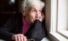Domovy seniorů smějí vzít jen klienty s negativním testem na koronavirus. I tak je ale čeká 14denní karanténa