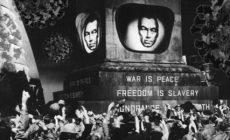 Promořeni mediální lží: Kráčí všichni dobrovolně do otroctví? Stačí počítat a přemýšlet. Komu slouží sanitární diktatura? Útok na duchovní život. Velký Bratr má volné ruce. Politici i klérus jen tupě slouží a podléhají